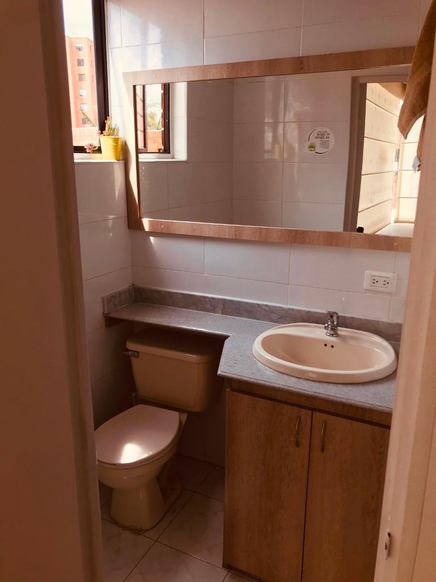 apto remodelado, arriendo, 3 cuartos,2 baños,cuarto servicio