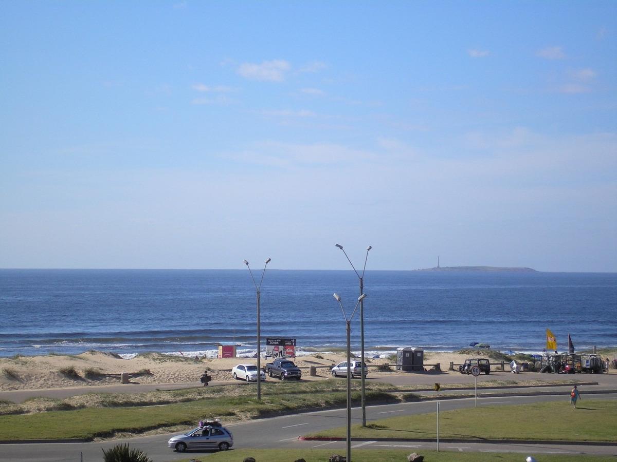 apto spiaggia brava parada 5 muy linda vista.