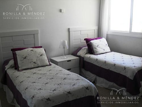 aquarela, 2 suites, toilette, dependencia de servicio