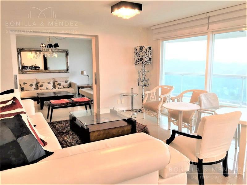aquarela, 4 dormitorios en suite, toilette, dependencia, garage doble. febrero 2020!!