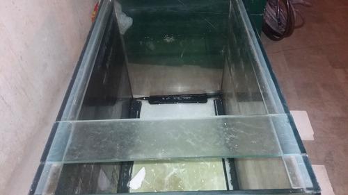 aquário  105cm x 77cm x 60cm