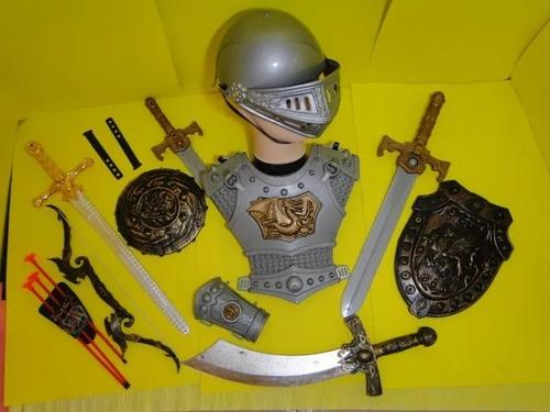 aqui capacete medieval armadura bracelete espada escudo arco