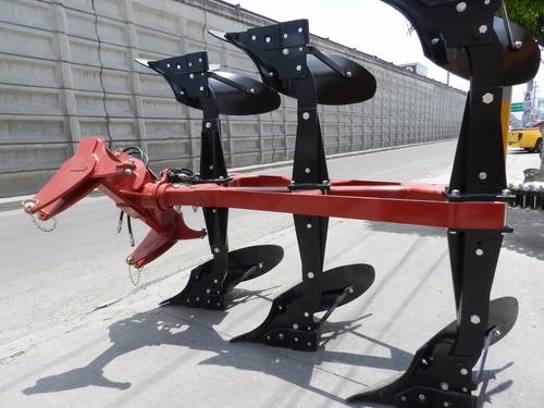 arado de 3 rejas hidraulico marca famaq nuevo