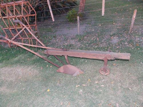 arado de mancera antiguo
