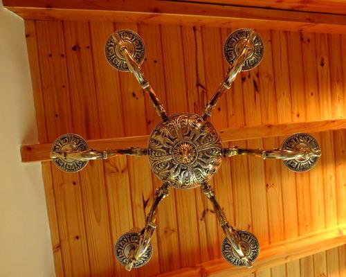 araña de bronce 6 luces con leones y águilas.el restaurador
