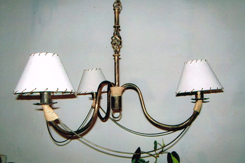 araña de hierro forjado rustica con detalle hilo sisal