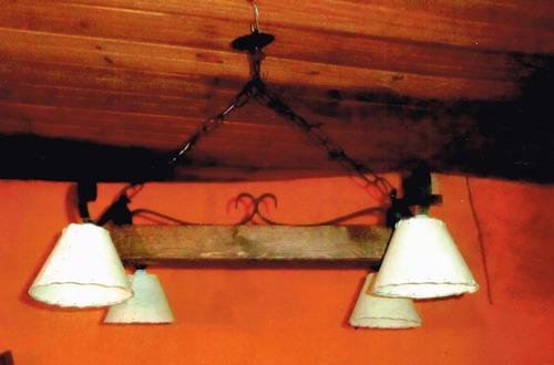 araña hierro y madera rustica