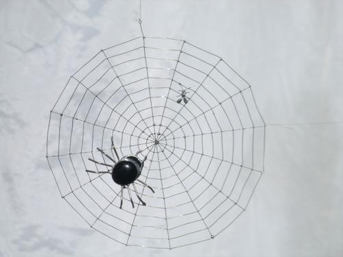 araña y mosca en telaraña. móvil diseño único y original