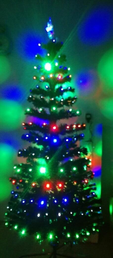Arbol de navidad 1 8 metro luces led multicolor fibra for Arbol de navidad led