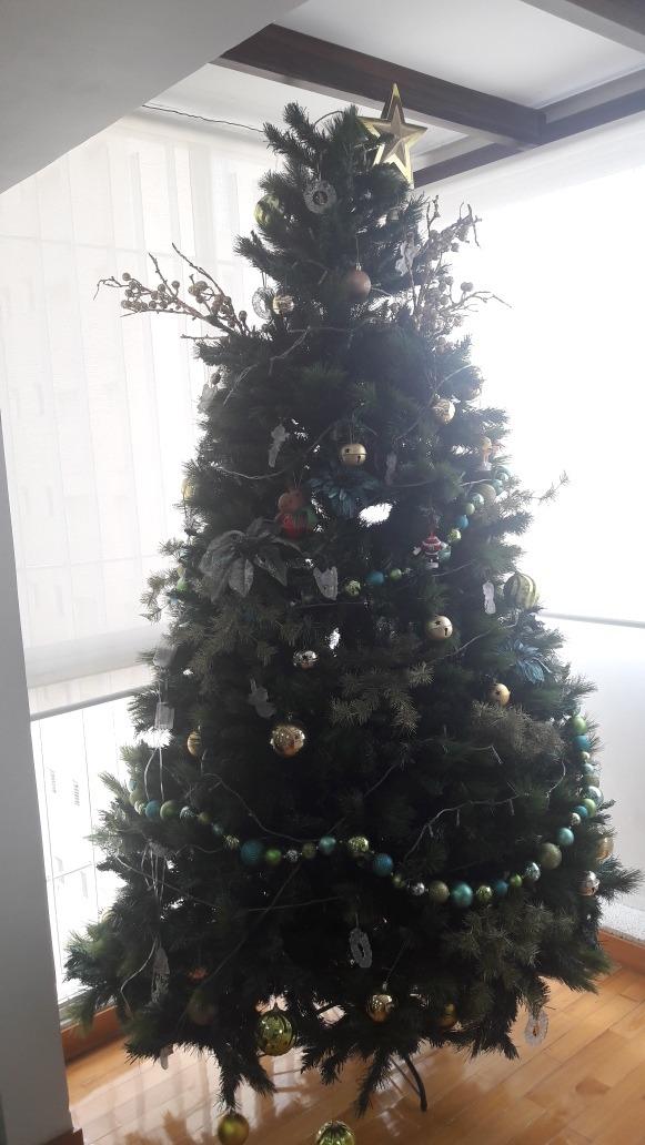 Arbol De Navidad Con Luces Y Adornos Navideos Bs 5500000000