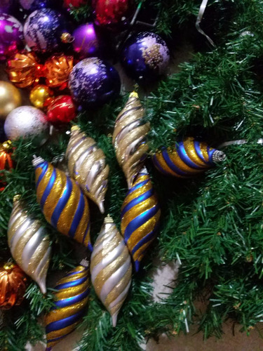 arbol de navidad frondoso 1,60m y 48 adornos perfecto estado