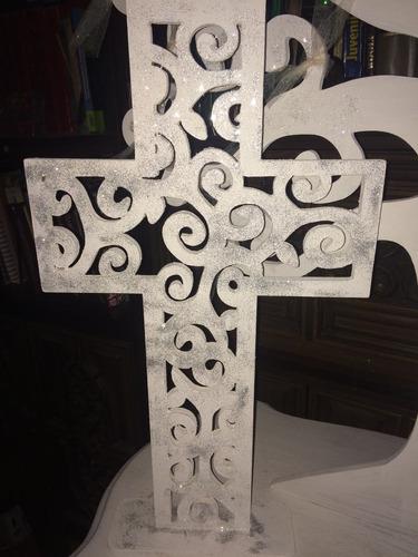 árbol madera y cruz para decoración