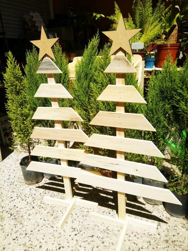 Buena ideaarbol de navidad echo con maderas y frases t - Arboles de navidad de madera ...