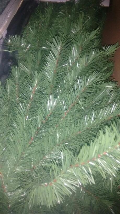 aaa4945139ca9 arbol o pino de navidad verde 2.50 metros modelo chestnut. Cargando zoom.