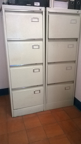 archivadores de metal con llave