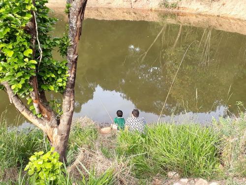 area de 1001 m2 livres e com lago para pesca portaria s taxa