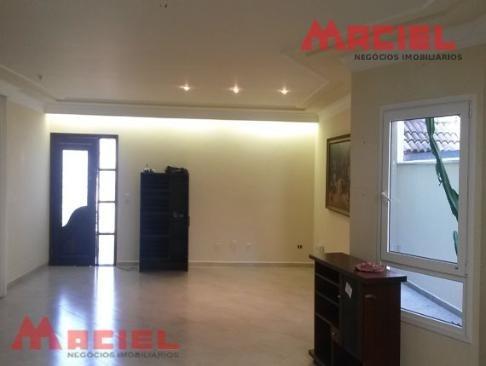 area de serviço planejada - janelas de aluminio - coifa