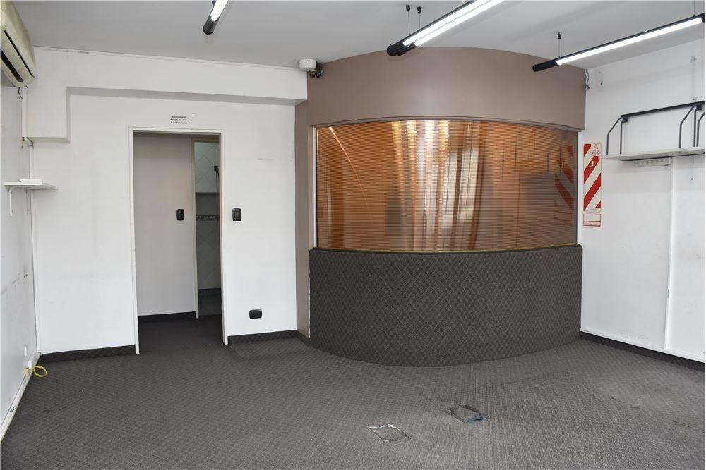 área de trabajo + 3 despachos - reciclada
