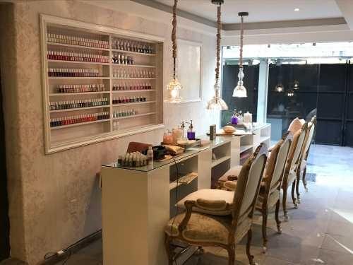 area para manicure y pedicure totalmente equipada coworking