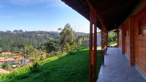 área total de 1.000 m², com área construída de 151 metros.