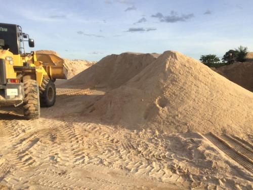 areia, brita, pedra, escória, terra vegetal, pó de pedra.