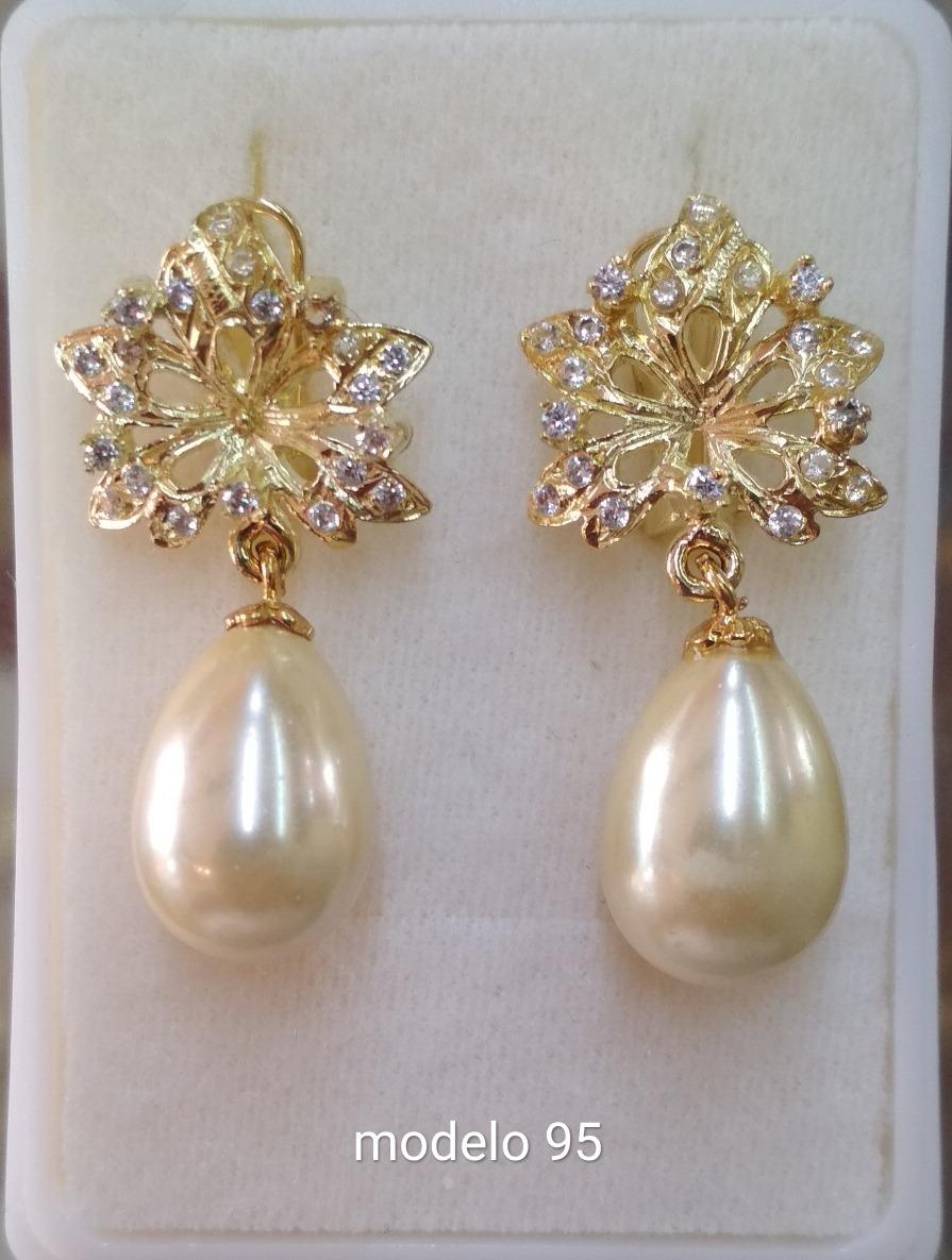 b10336700d50 arete flor y colgante de perla en forma de pera oro laminado. Cargando zoom.