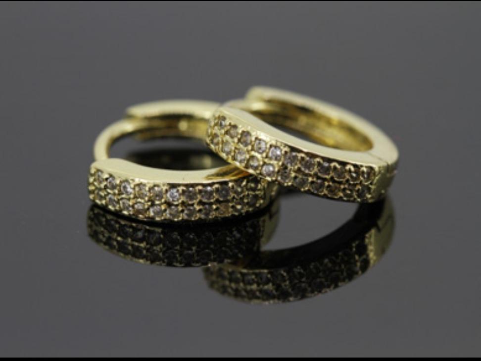 48dd11c1626f Aretes Arracadas Huggies En Oro Laminado 18 K -   230.00 en Mercado ...