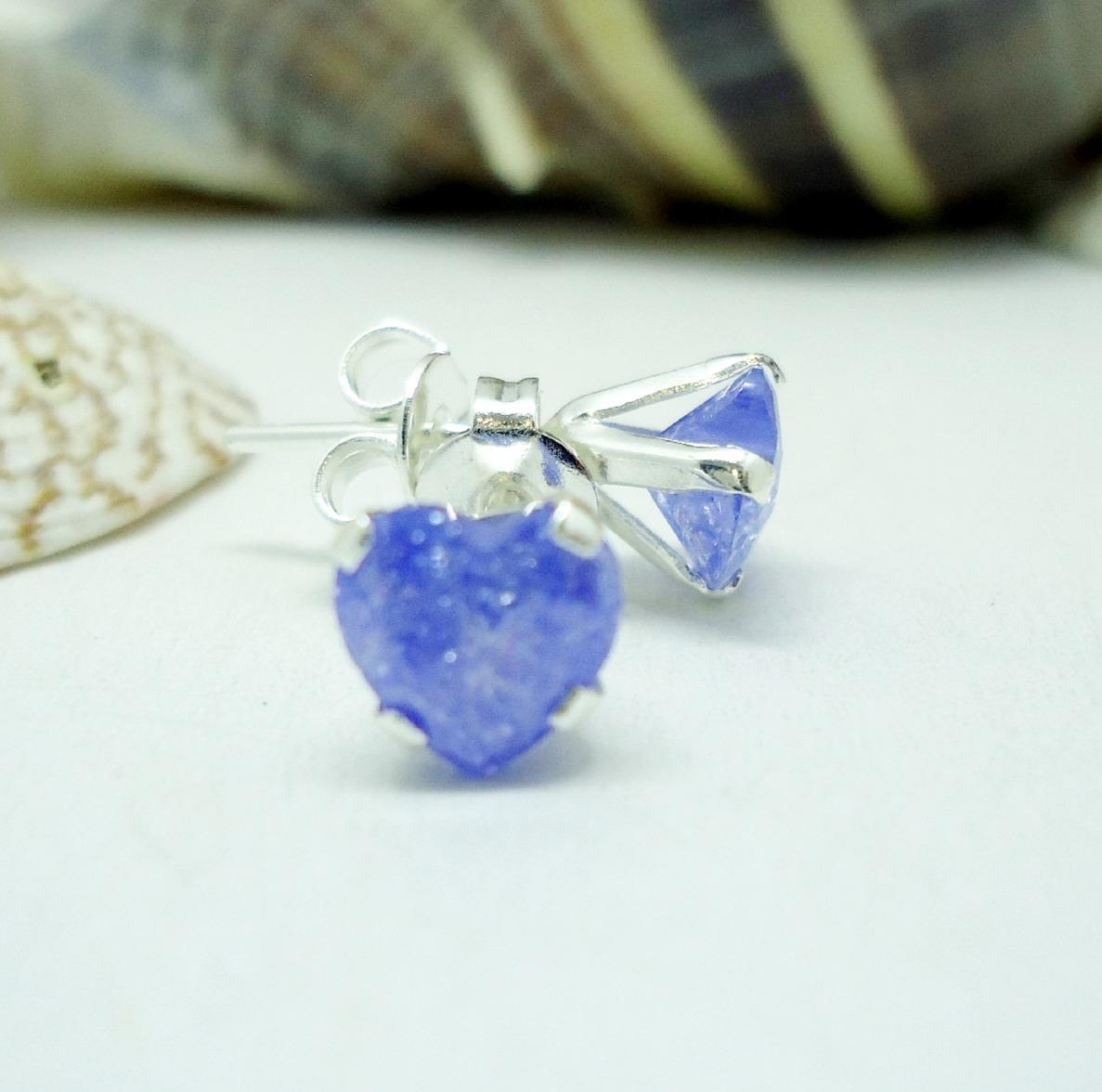 4cdf1606fbbd aretes corazón cristal azul con destellos azul plata ley 925. Cargando zoom.