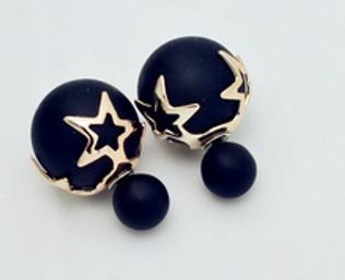 aretes de doble vista negros con estrellas