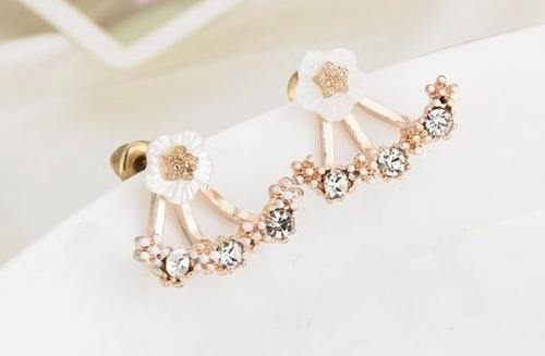 aretes de flores con cristales en color rose gold