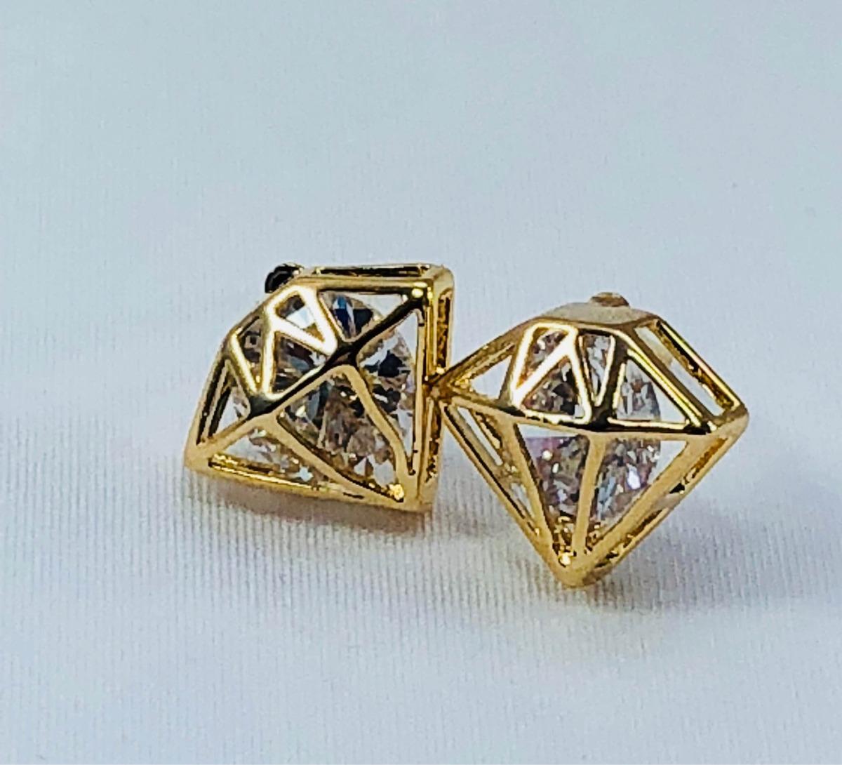 0b4e7d2237a6 aretes en forma de diamante oro laminado 18k y zirconia. Cargando zoom.