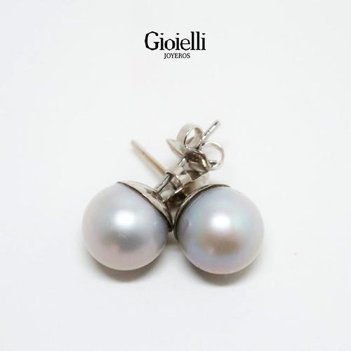 aretes en oro blanco 18k con perla gris