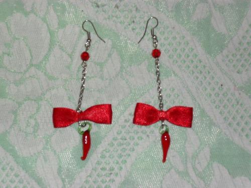 aretes largos rojos con figura de cristal