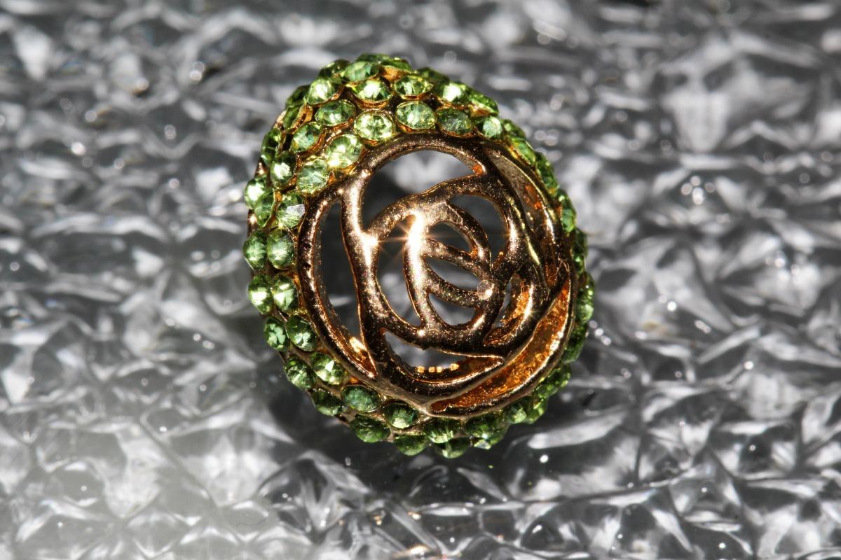 a37d8889dd19 aretes moda dorado cristales verdes dama bisuteria ar939. Cargando zoom.