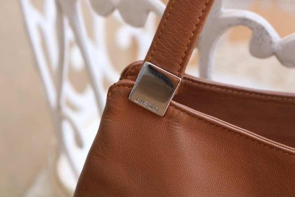 ade27a3686 bolsa arezzo original - couro legítimo caramelo · bolsa arezzo couro · arezzo  couro bolsa. Carregando zoom.