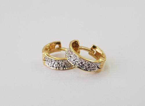 argola redonda feminina pequena com brilhantes ouro 18k