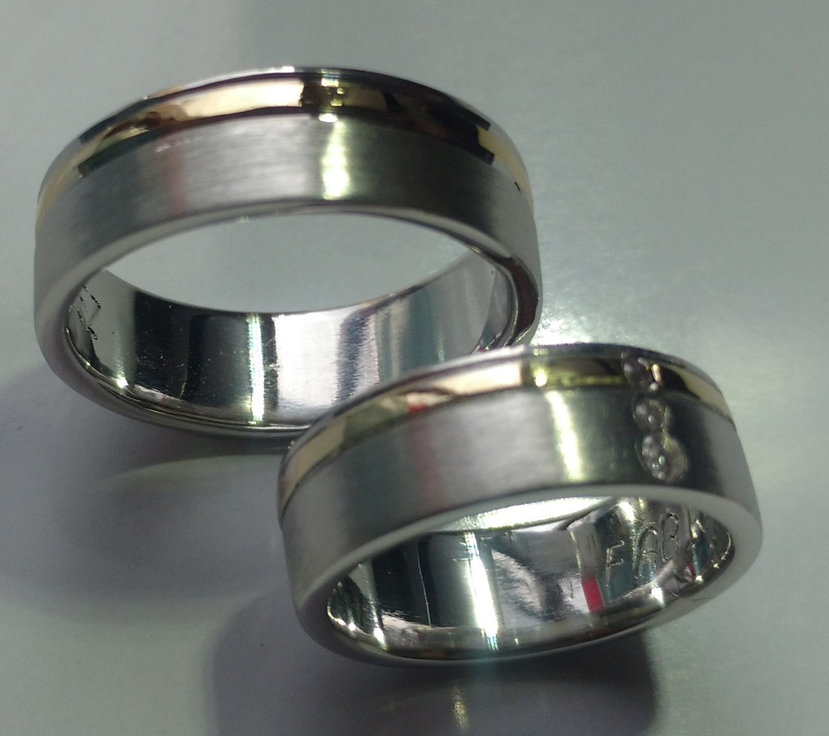 cafd28146f39 argollas plata 950 con linea oro 18k +anillo plata obsequio. Cargando zoom.