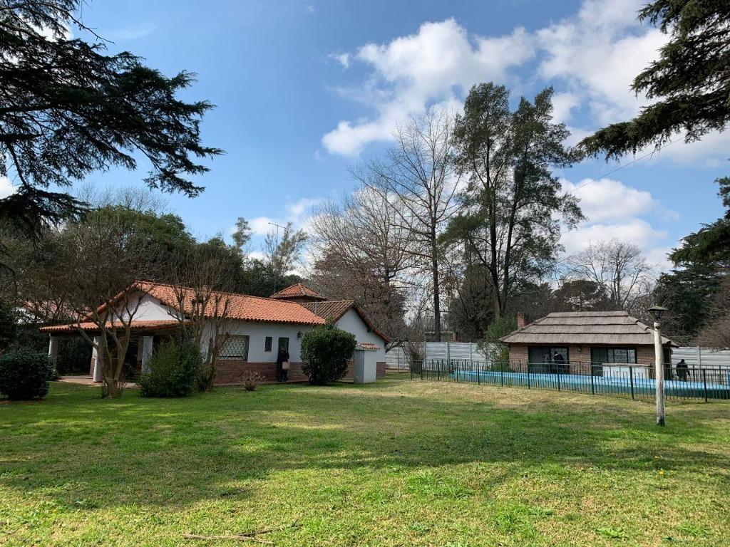 arlt, roberto 100 - josé c. paz - casas casa - venta