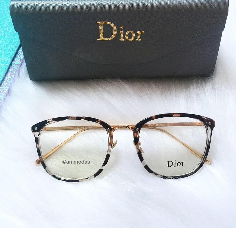 68a74464a2cd4 Armação De Oculos De Grau Dior Oncinha Preto E Transparente - R  120 ...