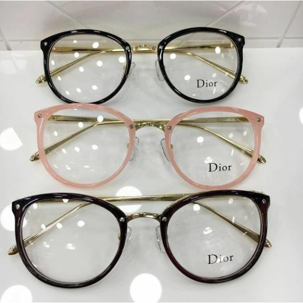 478cdb3f4 Armação De Oculos De Grau Dior Preto Com Dourado Quadrado - R$ 120 ...