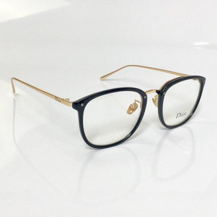 b50fddda92c0e Armação De Oculos De Grau Dior Preto Com Dourado Quadrado - R  120 ...