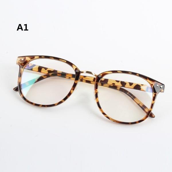 Armação De Óculos De Grau Leopardo Onça Oncinha - R  35,00 em ... a654fd0460