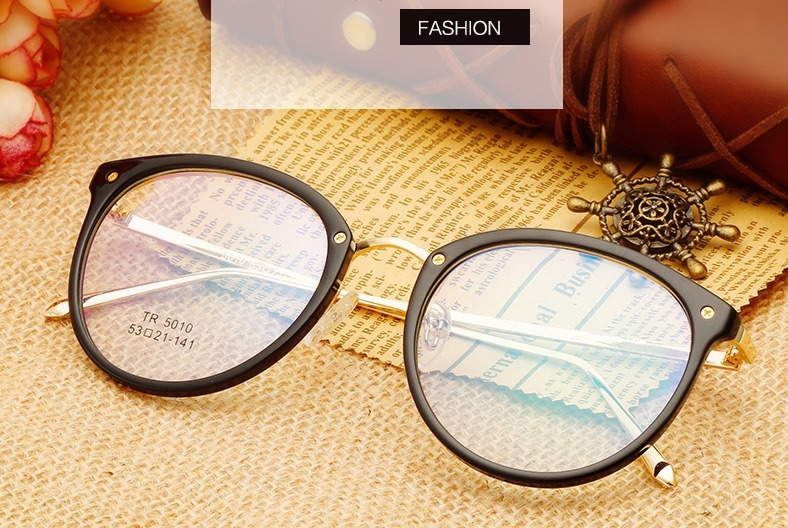 4a71151b0dbd9 Armação De Óculos Estilo Delicado Modelo Europeu Sem Grau. - R  99 ...