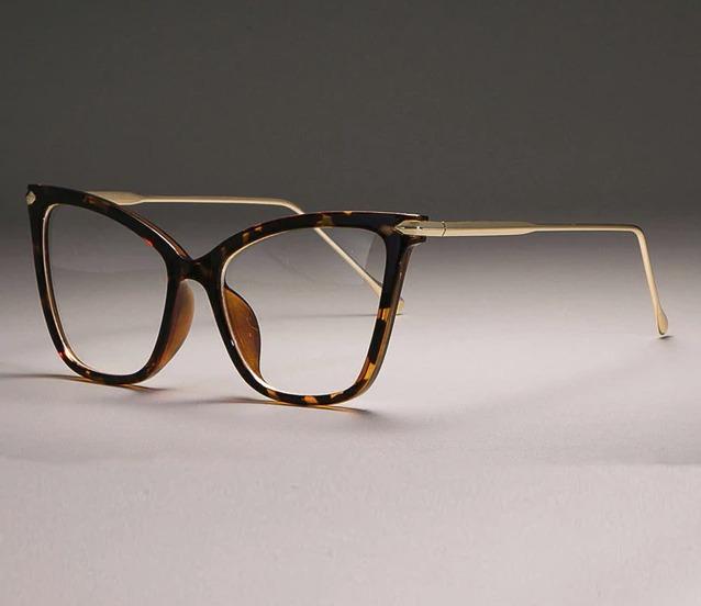 0638bec75 Armação De Óculos Feminina Com Haste Dourada- Estilo Gatinho - R$ 89 ...