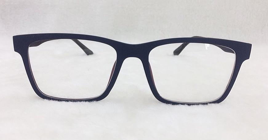 Armação De Óculos P  Grau E Sol Clip On 2 Em 1 S026 - R  69,90 em ... 92f7df0dc1