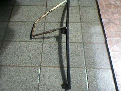 armação do vidro morcego porta monza 83/85 hatch gm