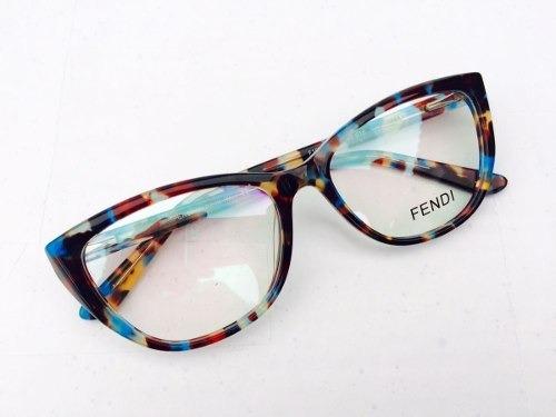 ab644b7e68ada Armação Fendi Marrom E Azul Oculos De Oncinha Lindo - R  135,00 em ...