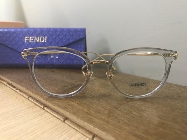 Armação Fendi Transparente Para Óculos De Grau Gatinho - R  120,00 ... 637e266e34