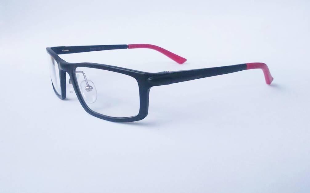 Armação Infantil Óculos Grau Masculino Crianças - R  35,00 em ... 937d7b0611