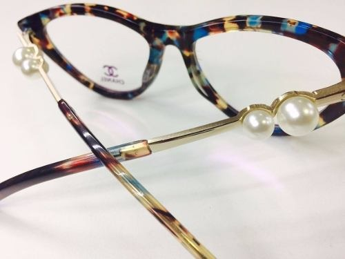 0e8f697cb Armação Óculos De Grau Chanel Pérolas Acetato Tartaruga - R$ 129,90 ...